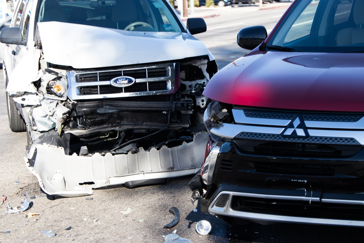 Albuquerque, NM - Two-Car Rollover Crash with Injuries at I-40 & Juan Tabo Blvd