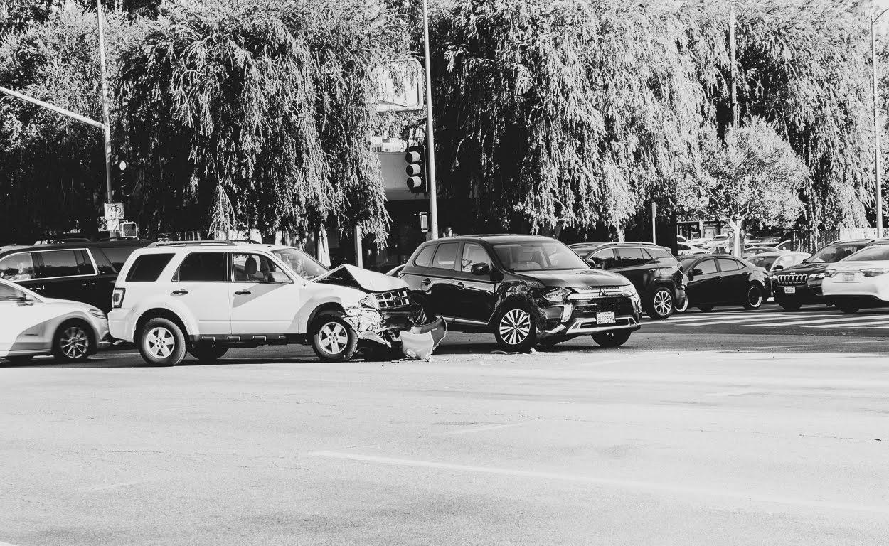 Albuquerque, NM - Critical Injuries in Crash at Montgomery Blvd & Morris St